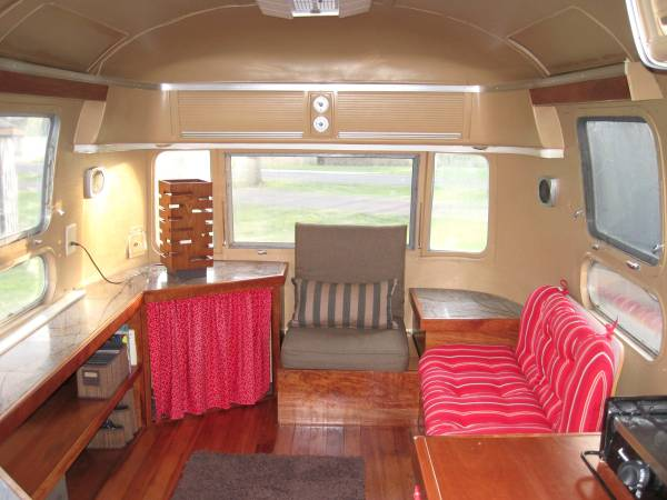 1974 Airstream Sovereign International 31 FT For Sale Clear