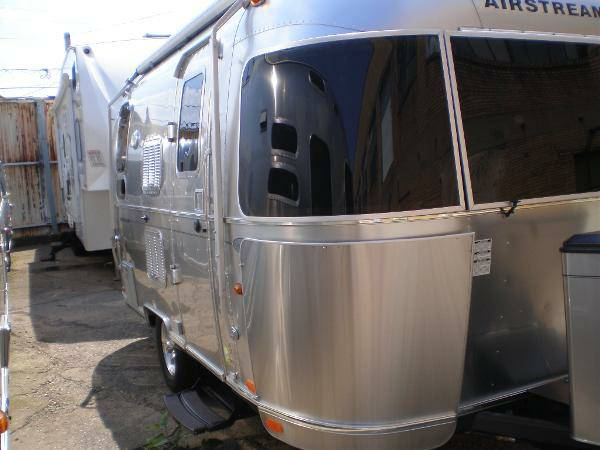 2013 Airstream Flying Cloud 19FT Travel Trailer For Sale ...