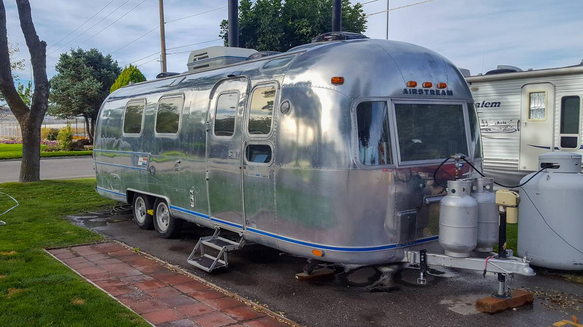 1977 Airstream Overlander 27FT Travel Trailer For Sale in