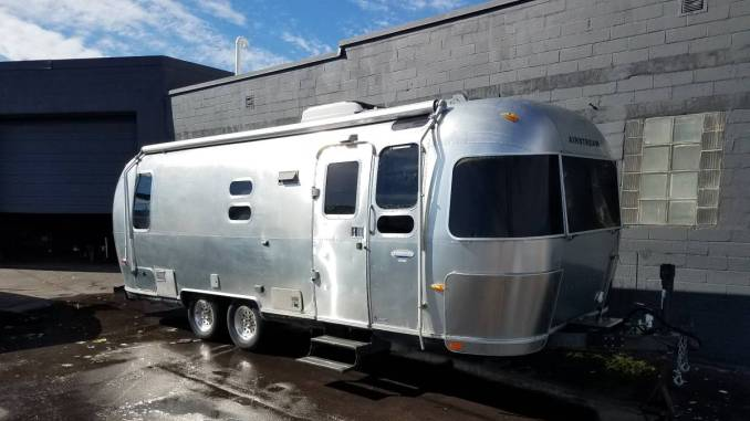 2005 Airstream International 25CCD 26FT Trailer For Sale