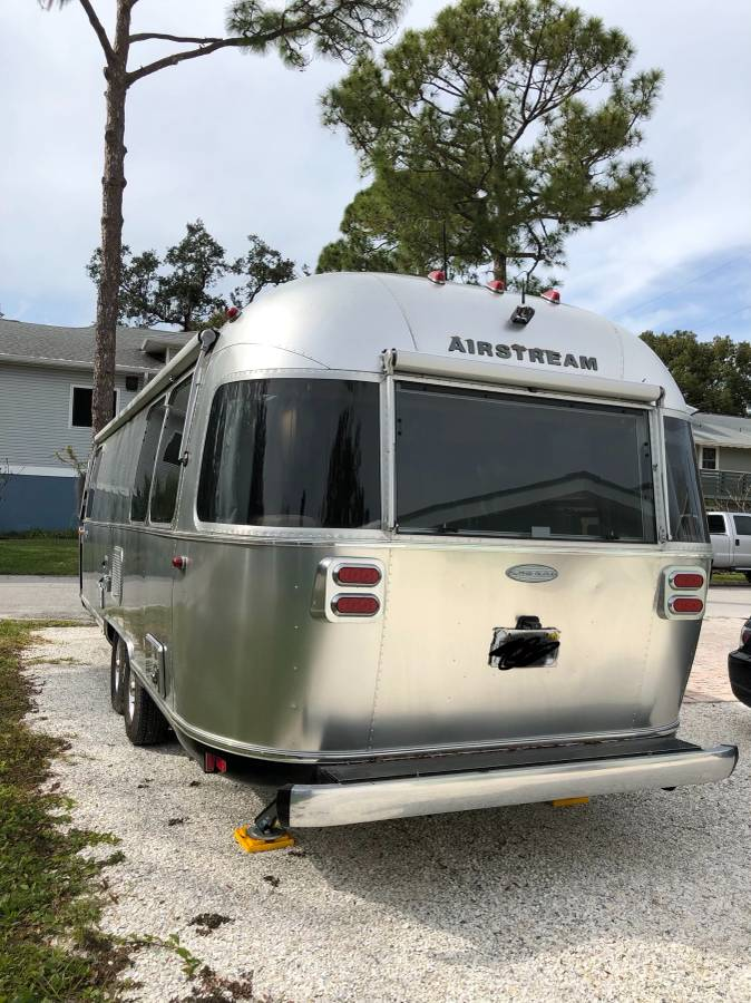 2017 Airstream Flying Cloud 27ft Trailer For Sale In