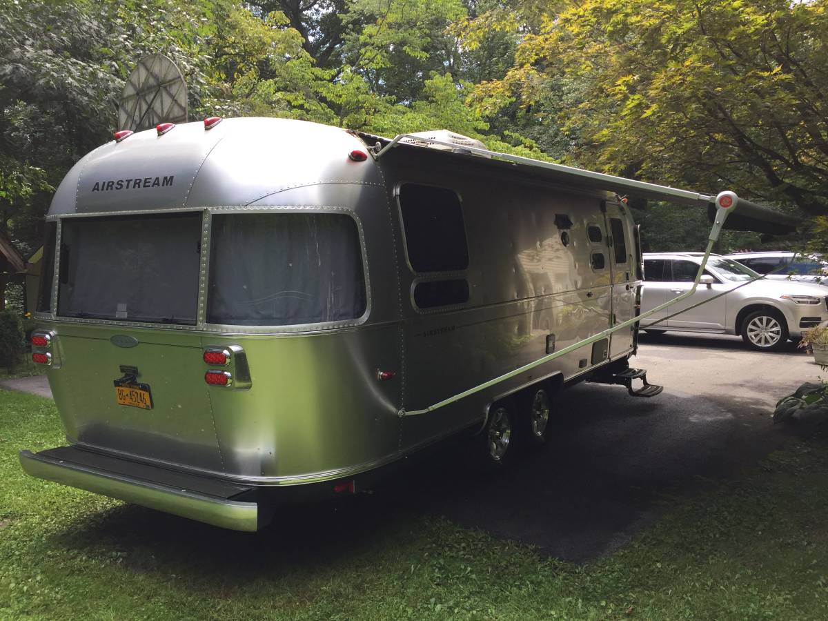 2013 Airstream Flying Cloud 25FT Travel Trailer For Sale in