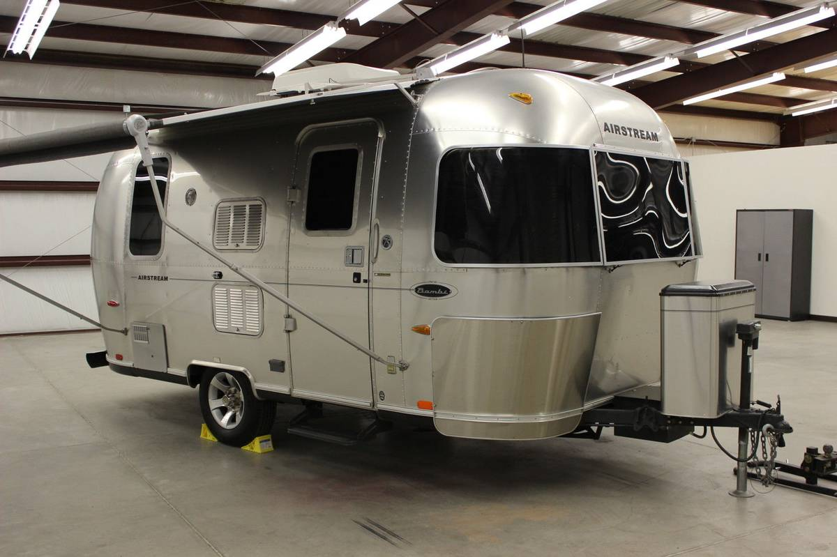 2006 Airstream Bambi Travel Trailer For Sale in Fort Wayne, IN