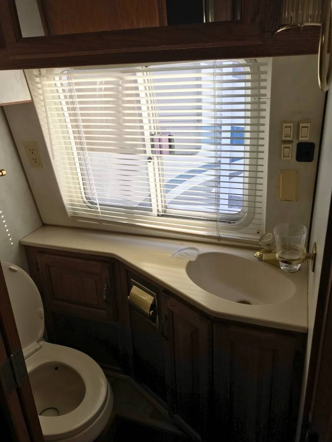 1992 Airstream Classic 350 LE 35FT Motorhome For Sale in ...